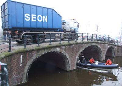 SEON op en in Amsterdamse grachten